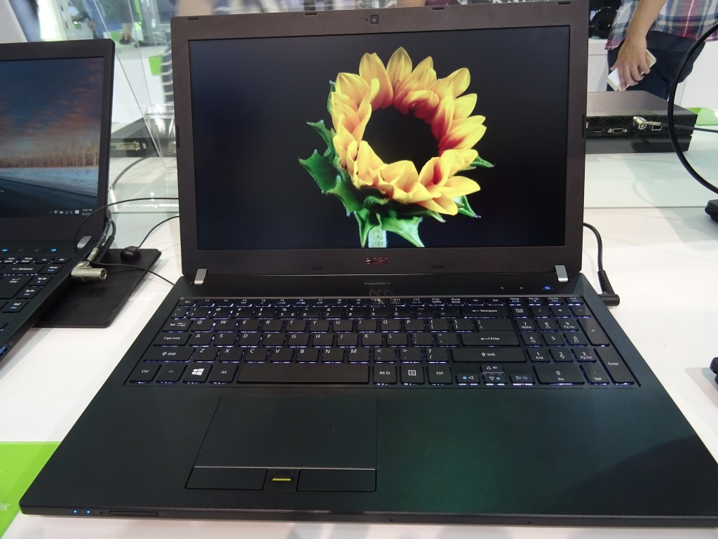 Acer P658